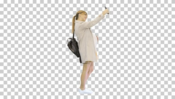 Thumbnail for Glückliche junge schwangere Frau unter Selfie, Alpha Channel