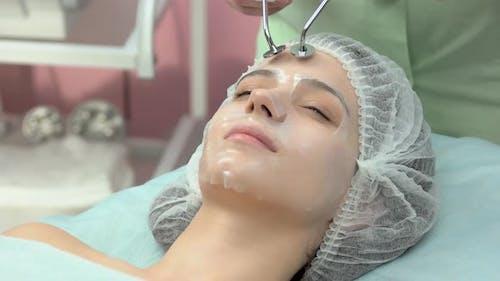 Mikrostromtherapie Junge Frau