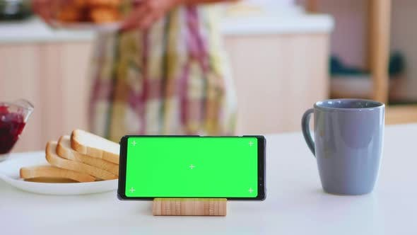 Green Screen on Mobile Phone