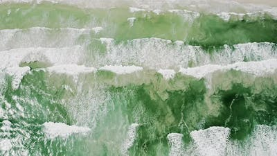 Foamy Waves Forming and Breaking