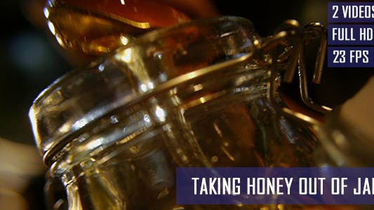 Taking Honey Out Of Jar