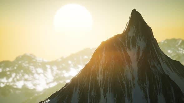 Thumbnail for Winterlandschaft in Bergen bei Sonnenuntergang
