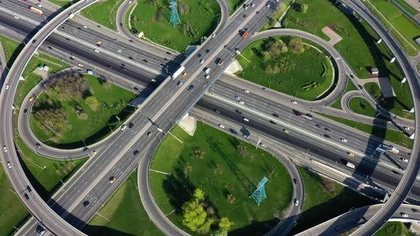 Cover Image for Freeway Intersection Traffic Trails in Moscow