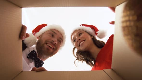 Thumbnail for Happy Couple Opening Box with Christmas Tree Toys