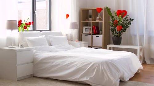Gemütliche Schlafzimmer Dekoriert für Valentinstag