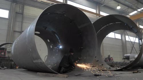 Polishing heavy duty metal structures