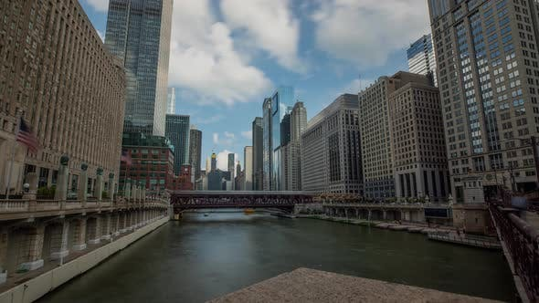 Time Lapse of downtown Chicago and the Chicago river