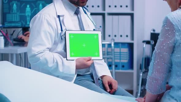 Thumbnail for Horizontal Green Screen Chroma Tablet