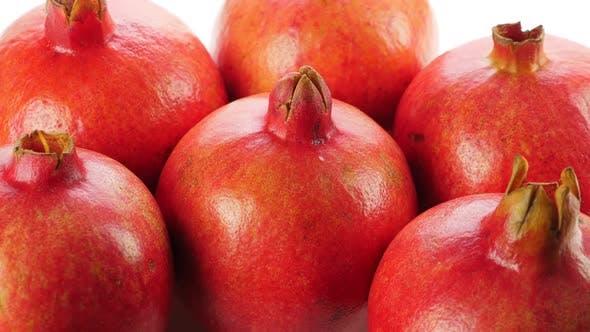 Thumbnail for Viele reife rote ganze Granatäpfel. Drehen