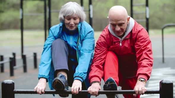 Cover Image for Active Seniors