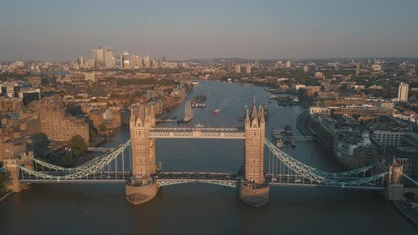 Thumbnail for AERIAL: Close-Up of Tower Bridge in London at Sunset, Sunrise