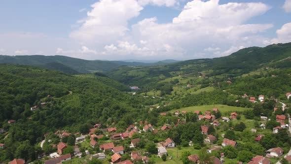 Ländliche Bergwelt