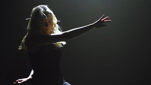 Cover Image for Female Performer