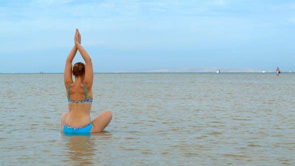 Yoga im Wasser