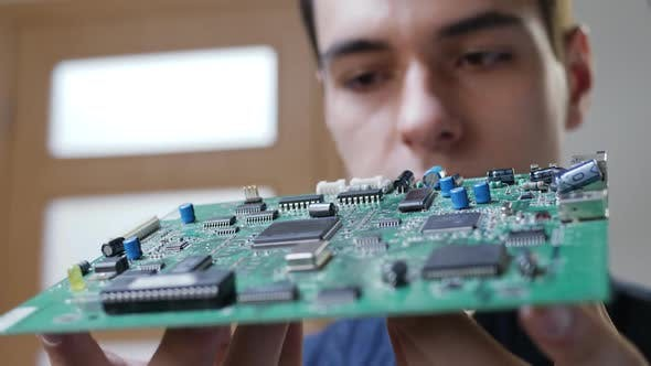 Thumbnail for Male Looking for PC Motherboard