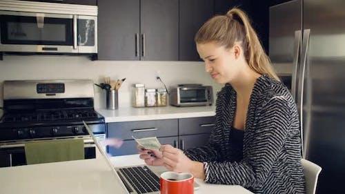 Cyber-Kriminalität Gelddieb Online