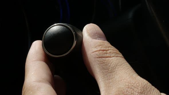 Ändern der Scheinwerfer-Modi auf Auto-Griff 4K Video