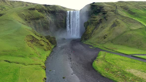 Cover Image for Flying Above the Iconic Skogafoss Waterfall in Iceland