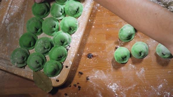 Cover Image for Homemade green dumlplings