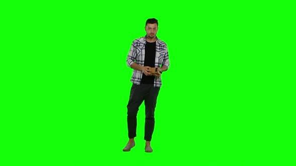 Thumbnail for Man Wearing Virtuality Googles. Green Screen
