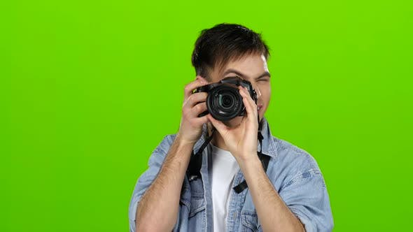 Thumbnail for Photographer Makes Beautiful Pictures of Different Famous Models. Green Screen