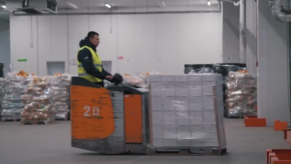 Thumbnail for Movers Deliver Goods at the Warehouse