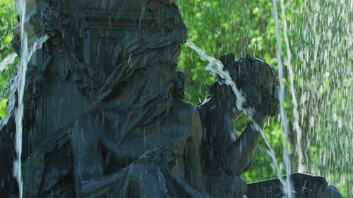 Sculptures at Tourny Fountain