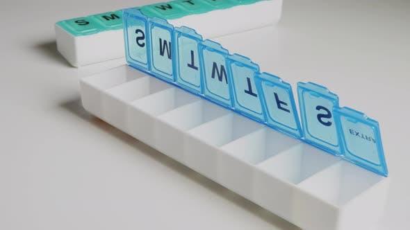 Thumbnail for Hinzufügen von Vitaminen zu einem Tabletten-Organizer