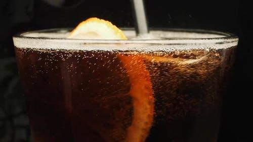 Kohlenhaltiges Getränk