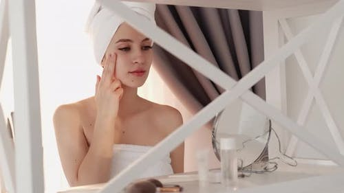 Skin Moisturizing Facelift Correction Woman Face