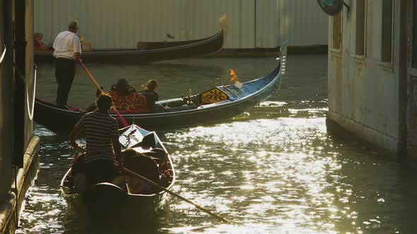 Thumbnail for Heavy movement of gondolas with tourists, water traffic laws in Venice, Italy