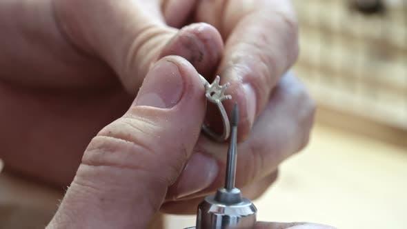 Thumbnail for Réglage des griffes de l'anneau de polissage