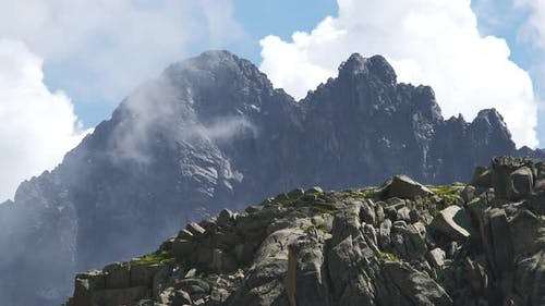Depth of Field at Consecutive Mountain Peaks