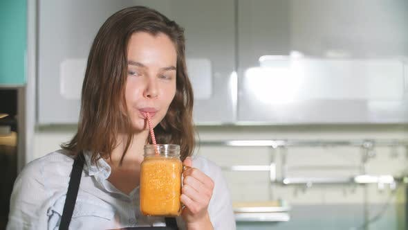 Morgen mit Orangensaft.