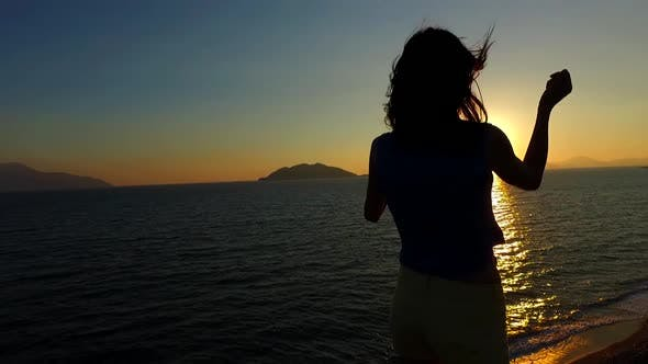 Cover Image for Model Sunset