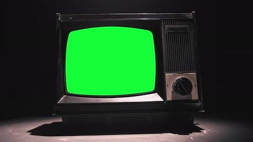 Téléviseur 80s avec écran vert