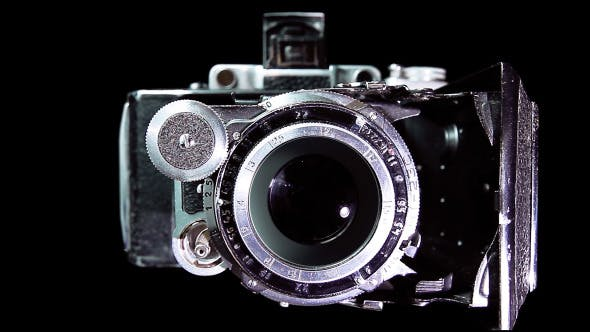 Cover Image for Vintage Camera Shooting