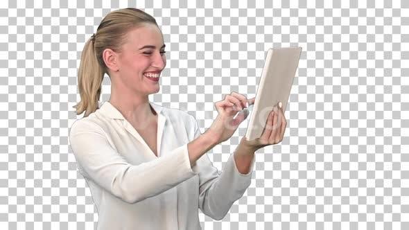 Thumbnail for Positive Geschäftsfrau spricht über die, Alpha Channel