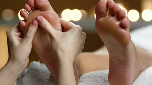 Thumbnail for Giving Basic Foot Massage