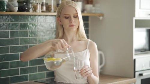 Closeup Young Beautiful Woman Drinking Lemon Detox Water