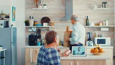 Online Health Consultation for Elderly People
