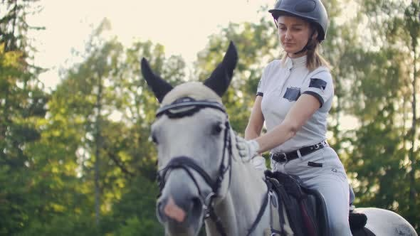 Cover Image for Unforgettable Horse Riding Moments Slow Motion