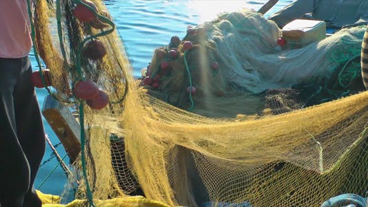 Cover Image for Fishermen and Fishnets