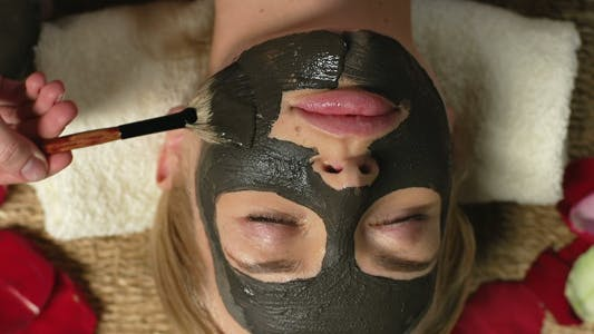 Cover Image for Facial Mud Wrapping