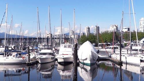 Vancouver - Granville Island Harbor - 04