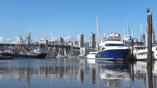Vancouver - Granville Island Harbor - 15
