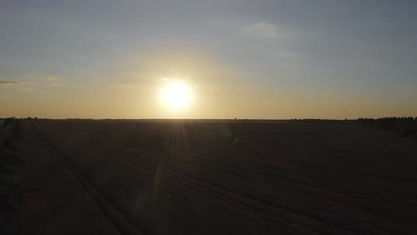 Cover Image for Aerial View Field Sunset