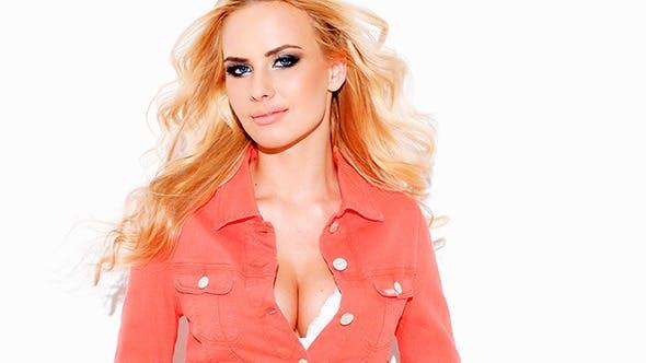 Beautiful Sexy Blond Woman With a Busty Figure von Daniel_Dash auf ...