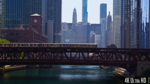 4K Downtown Chicago River Bridges with Elevated el train