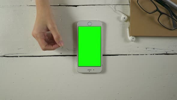 Thumbnail for Using Smartphone With Green Screen